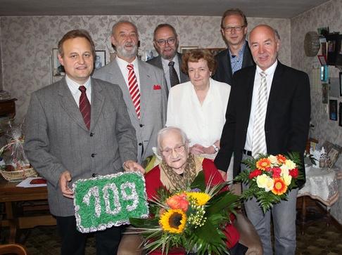 Viele Gratulanten zum 109. Geburtstag von Maria Kürten