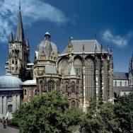 An Gottesdiensten aus dem Aachener Dom teilnehmen